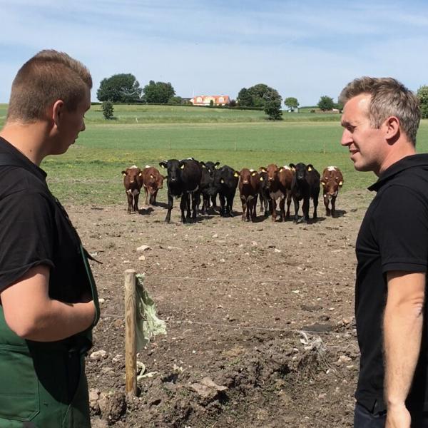 Kasper på besøg hos en elev og læremester på Sjælland